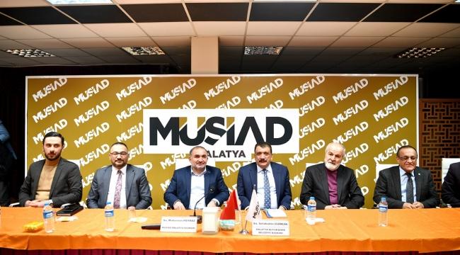 Gürkan, 'Dost Meclisi'nin Konuğu Oldu