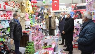 Başkan Güder, Fuzuli Caddesi Esnaflarını Gezdi