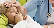 Çocuklarda geçmeyen öksürüğün altında kalp hastalıkları çıkabilir